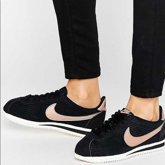 wholesale dealer 082ce 8d2df Nike Classic Cortez Black And Rose Gold Trainers